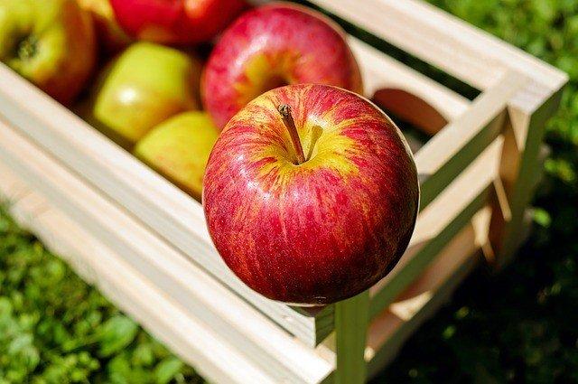 сон о яблоках