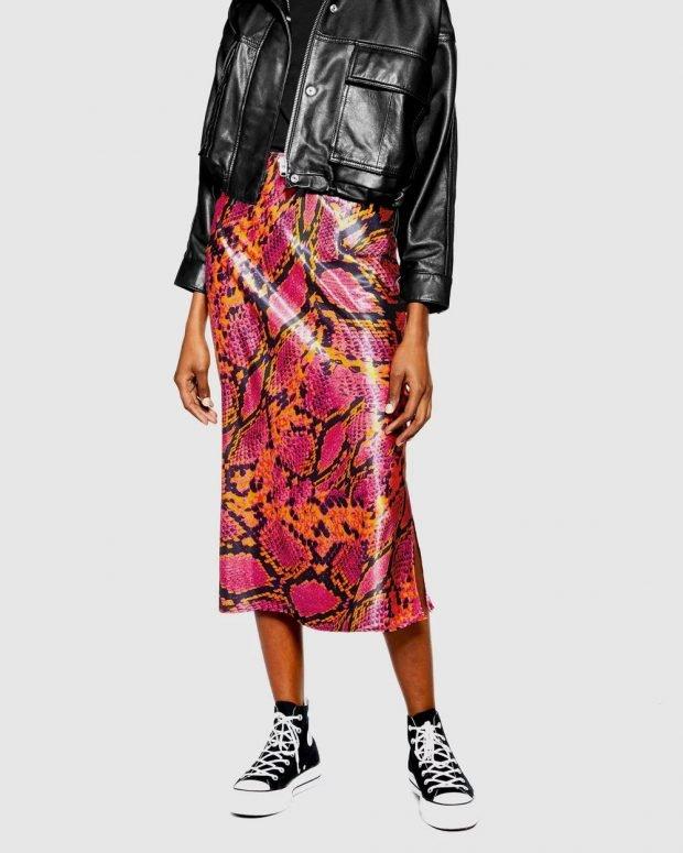 Модные юбки осень-зима 2019 2020: кожаная змея красная