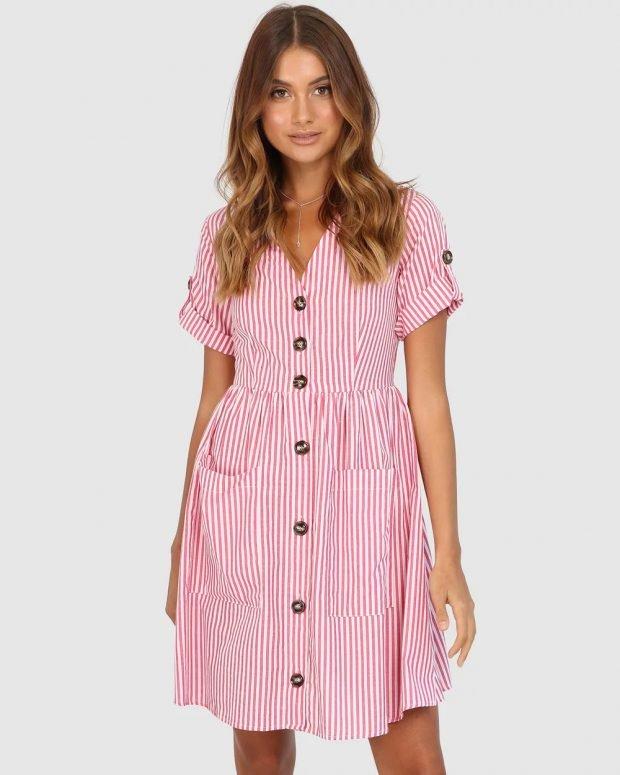 платья весна-лето 2021: розовое с полосками