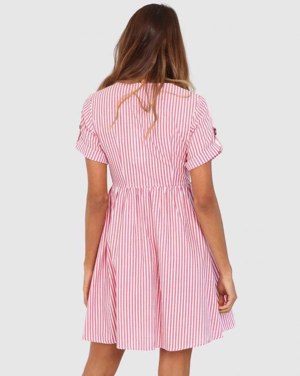 платья весна-лето 2021: розовое с полосками вид сзади