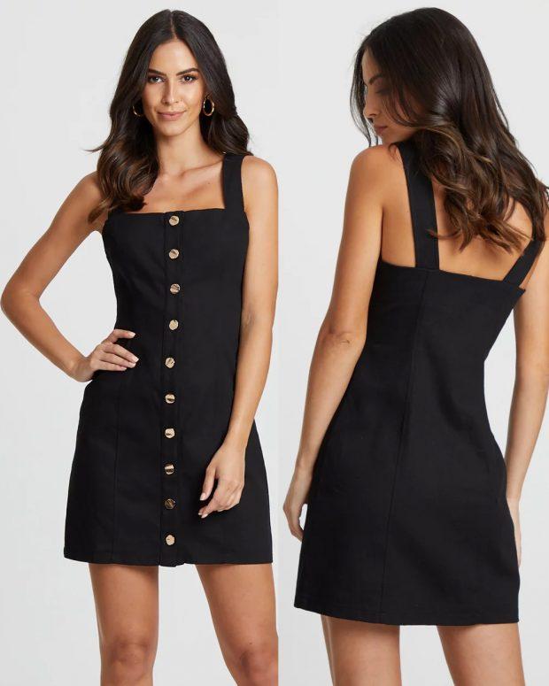 модные платья лето 2021: черное на пуговицах