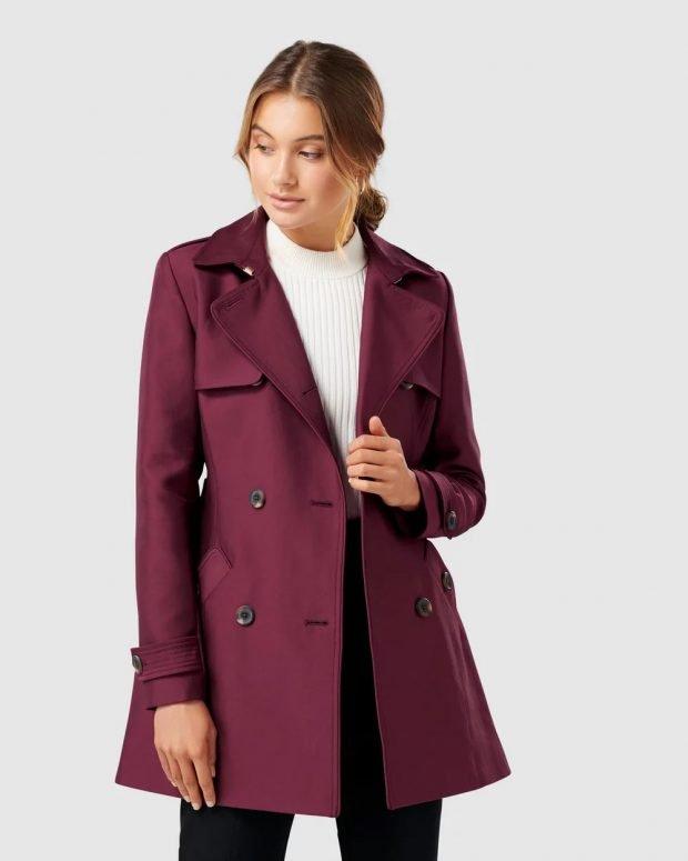темно-фиолетовое с пуговицами