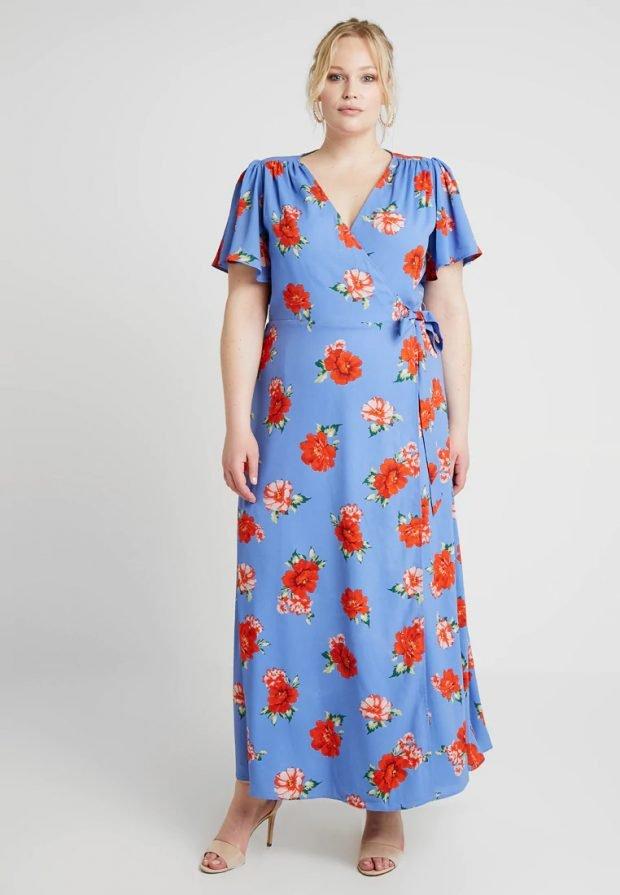 платья для полных женщин 2019 2020: голубое с принтом