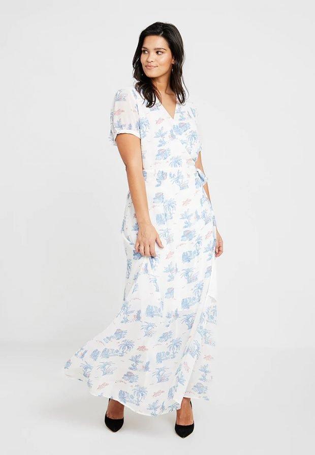 платья для полных женщин 2019 2020: белое с принтом
