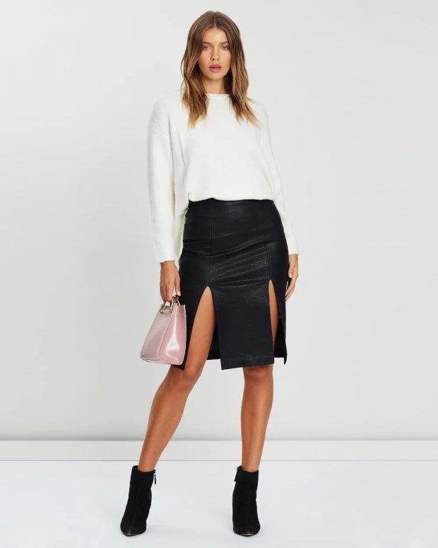 модные тенденции 2021 2022 года в одежде: белый свитер