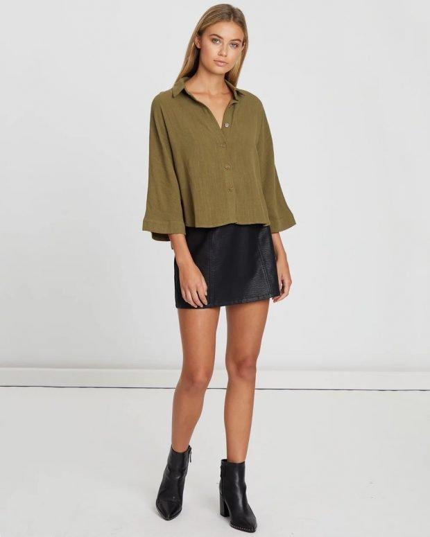 модные тенденции 2021 2022 года в одежде: рубашка хаки
