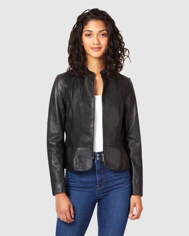 модные куртки осень зима 2019 2020: короткая черная кожаная