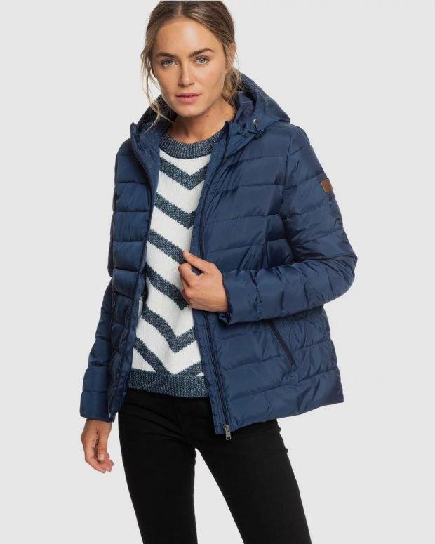 пуховики осень зима 2020 2021: синий короткий с капюшоном