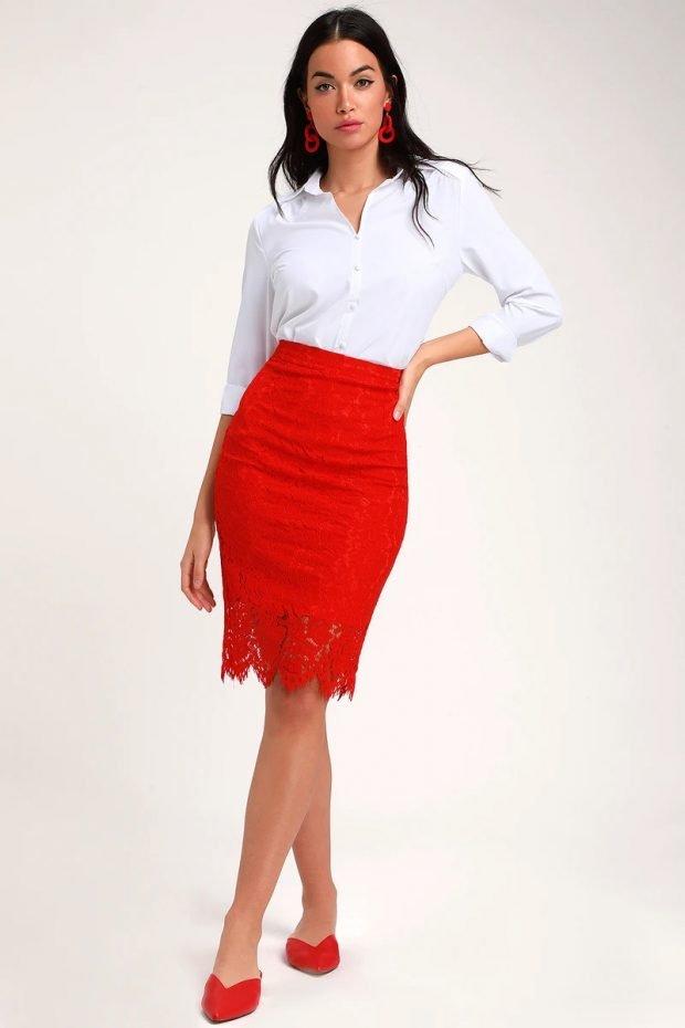 красная ажурная под белую рубашку