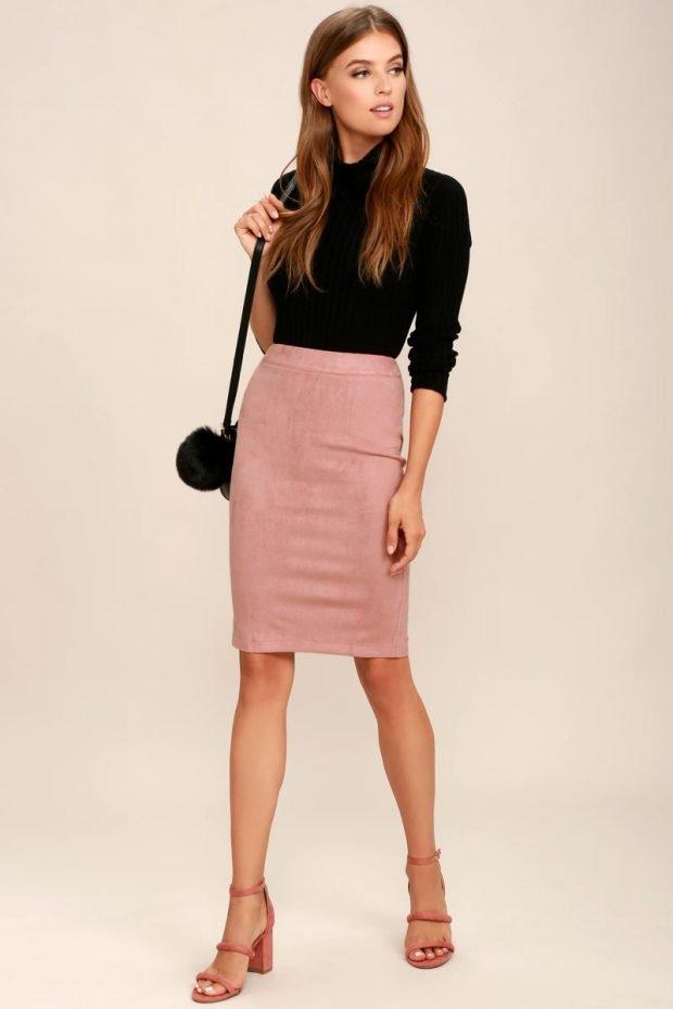 с чем носить юбку карандаш: черный свитер