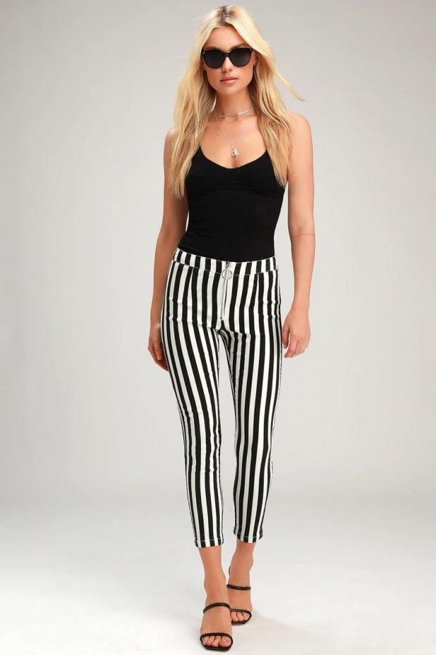женские джинсы 2020: укороченные полосатые