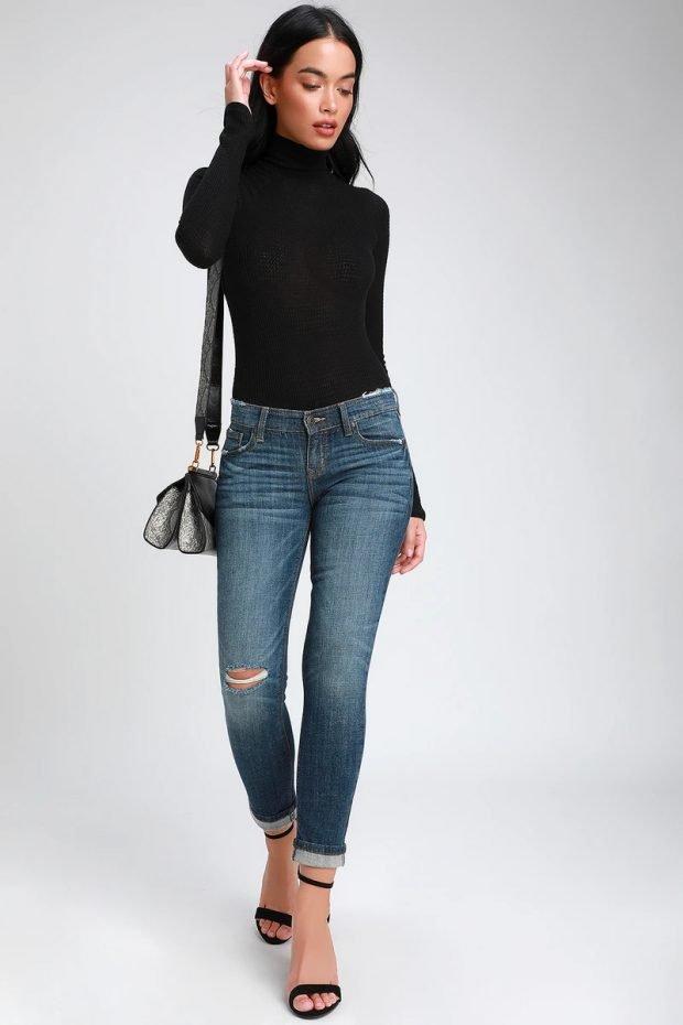 женские джинсы 2020 2021: укороченные темно-синие