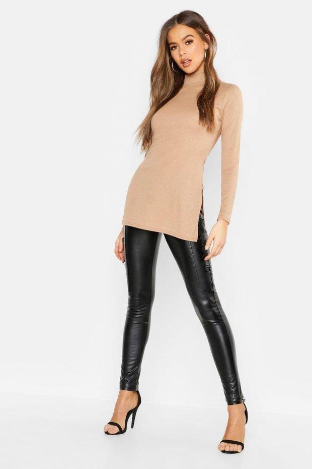 с чем носить тунику: черные кожаные штаны