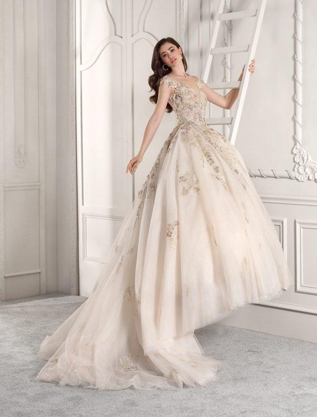 свадебное платье в греческом стиле: пышное длинное