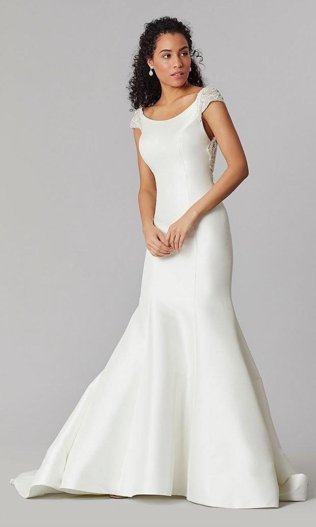 свадебные платья рыбка: белое без рукавов