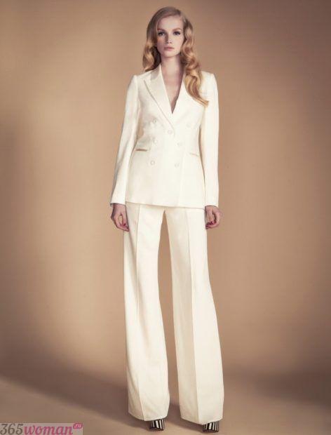 с чем носить белые брюки широкие