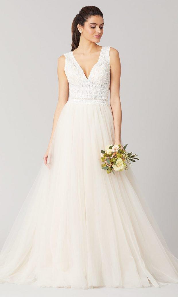 Длинные свадебные платья: белое длинное открытые плечи на лямках
