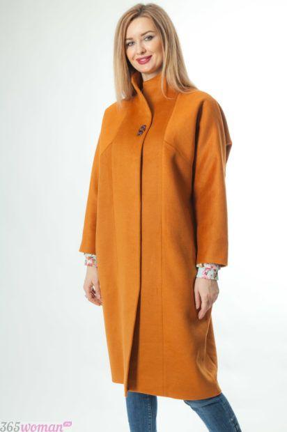 модный горчичный цвет 2018 2019 в одежде