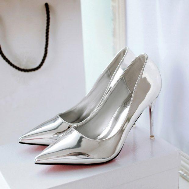 какие туфли в моде осень зима 2018 2019: серебристые на шпильке