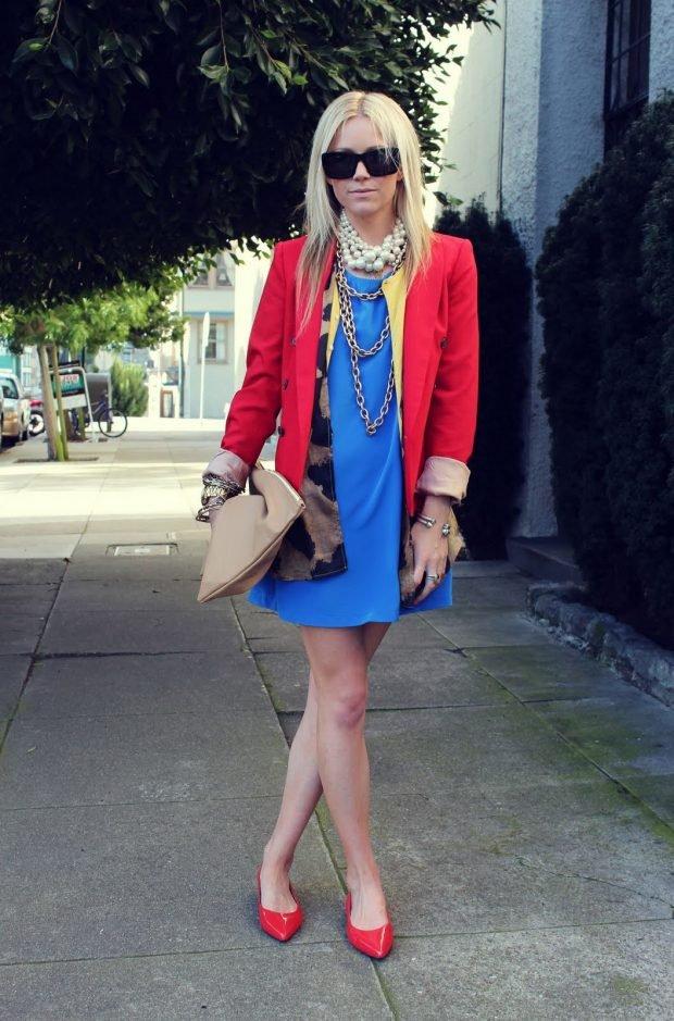 с чем сочетается синий цвет в одежде у женщин фото