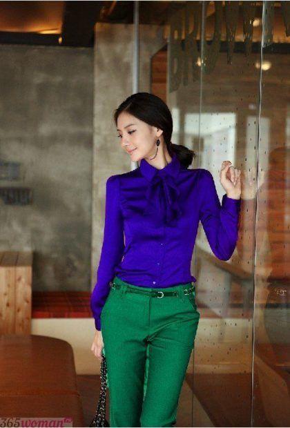 с чем сочетается синий цвет в одежде у женщин: сочетания с зеленым
