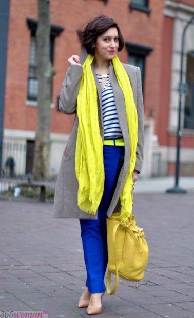 с чем сочетается синий цвет в одежде у женщин: сочетание желтого