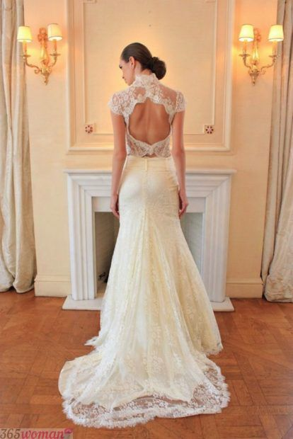 свадебные платья с открытой спиной А-силуэта