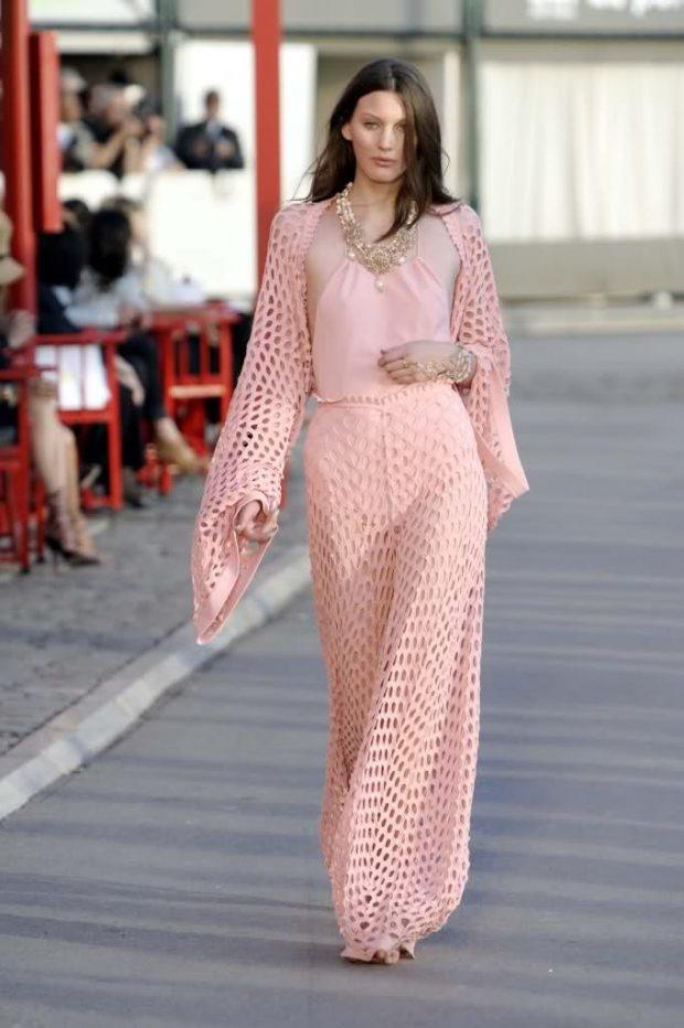 мода на длинное вязаное платье осень зима 2019 2020