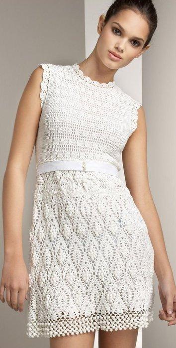 вязаные крючком платья 2019 2020: белое без рукавов