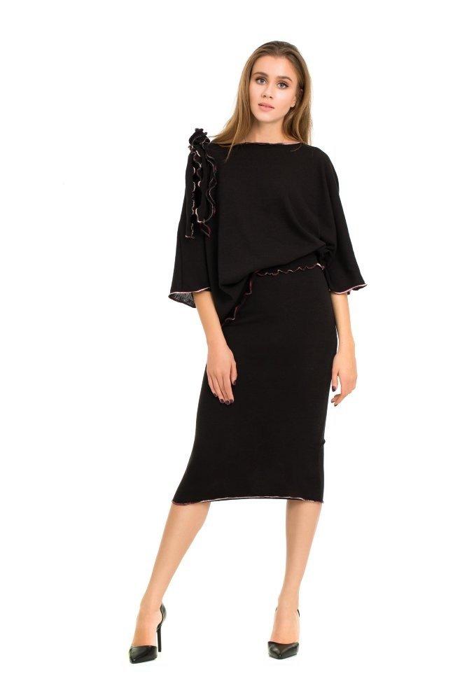 Модный вязаный костюм женский 2018 года черный