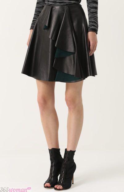 кожаная юбка с воланом для базового гардероба 2018