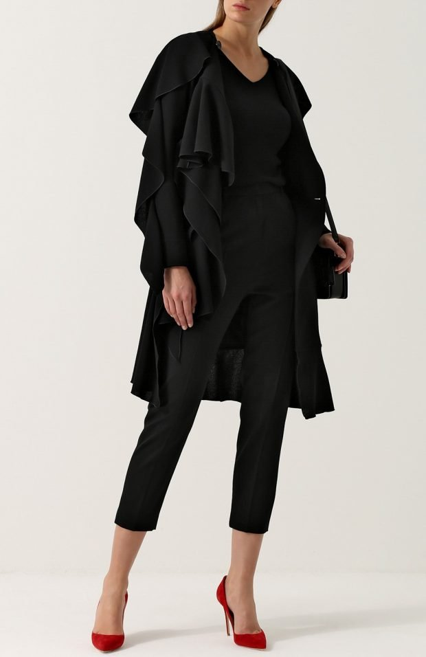 черное короткое пальто для базового гардероба