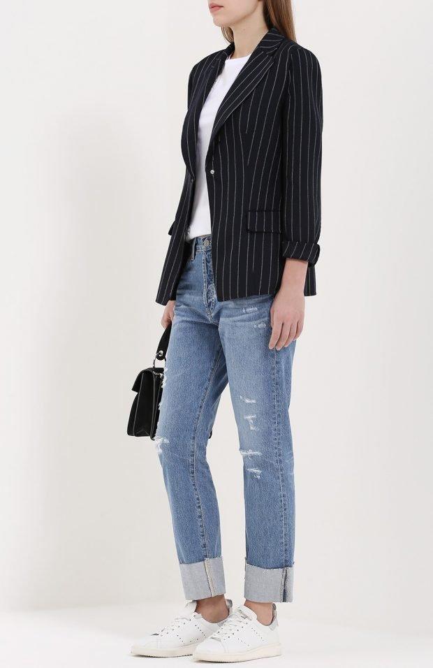 базовые светлые джинсы для девушки