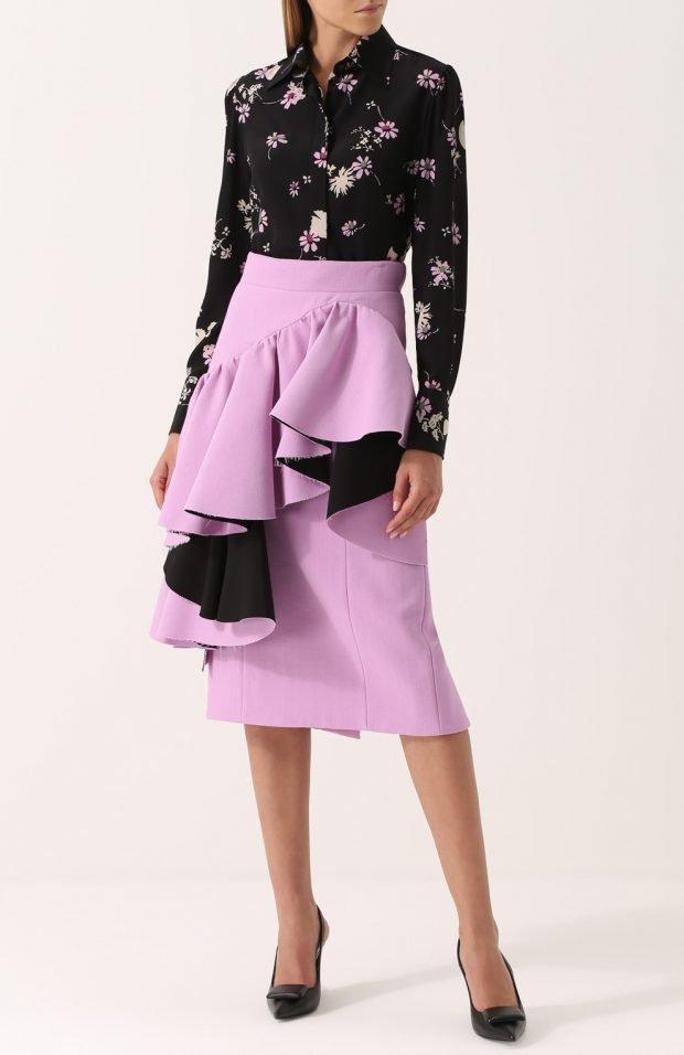 фиолетовая юбка с воланами для базового гардероба