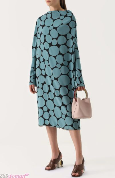 платье оверсайз принт для базового гардероба 2018