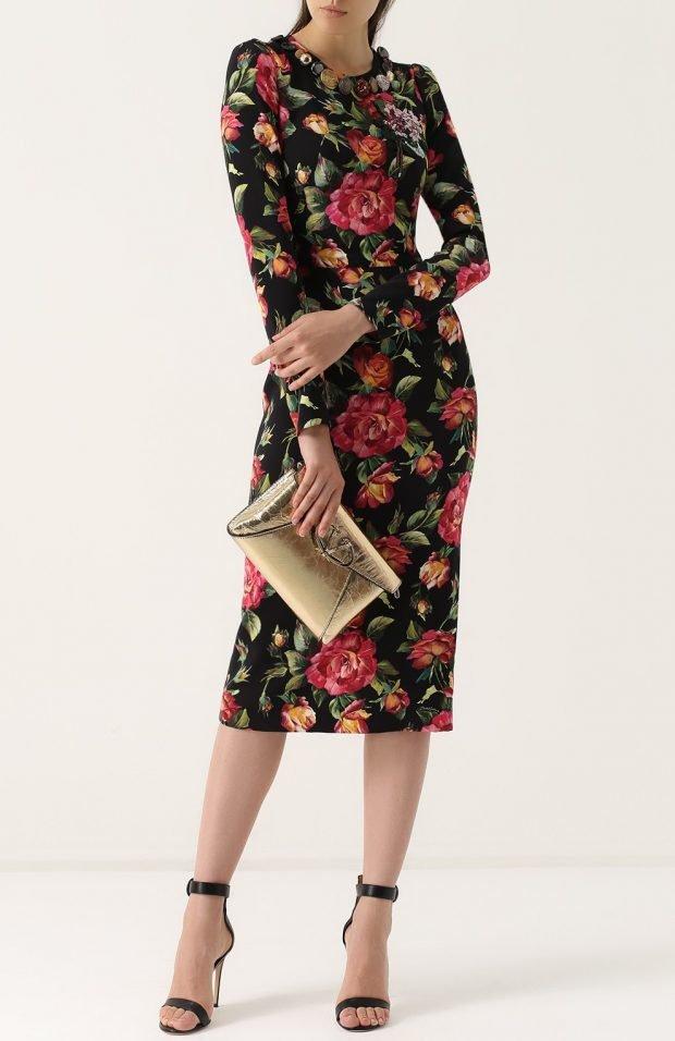 платье в цветочный рисунок для базового гардероба
