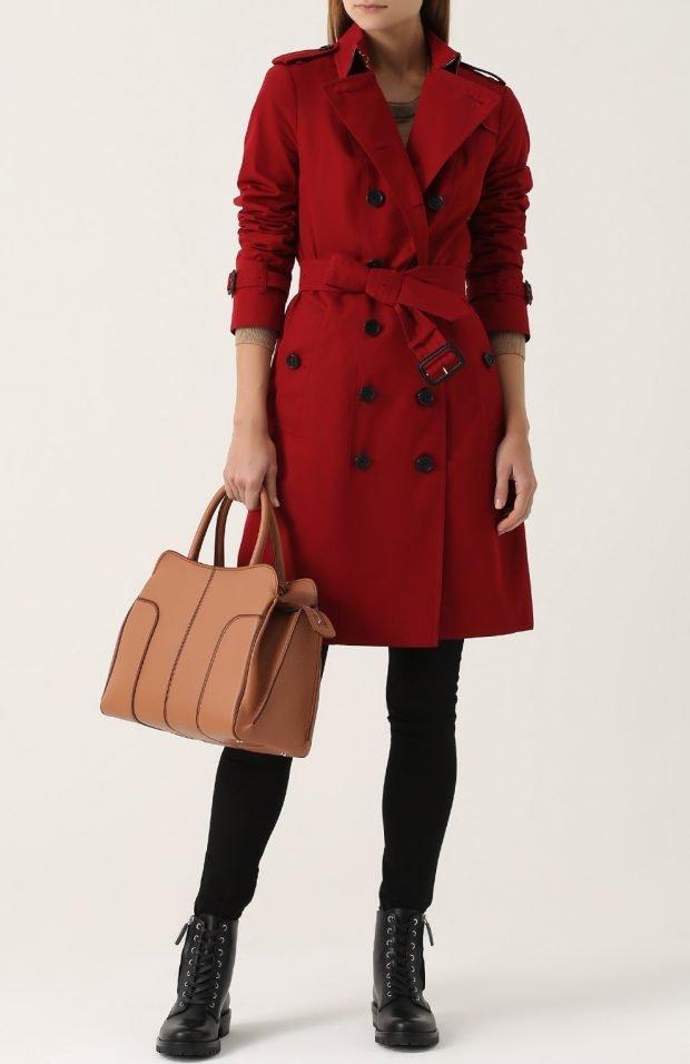 красное пальто с пуговицами для базового гардероба