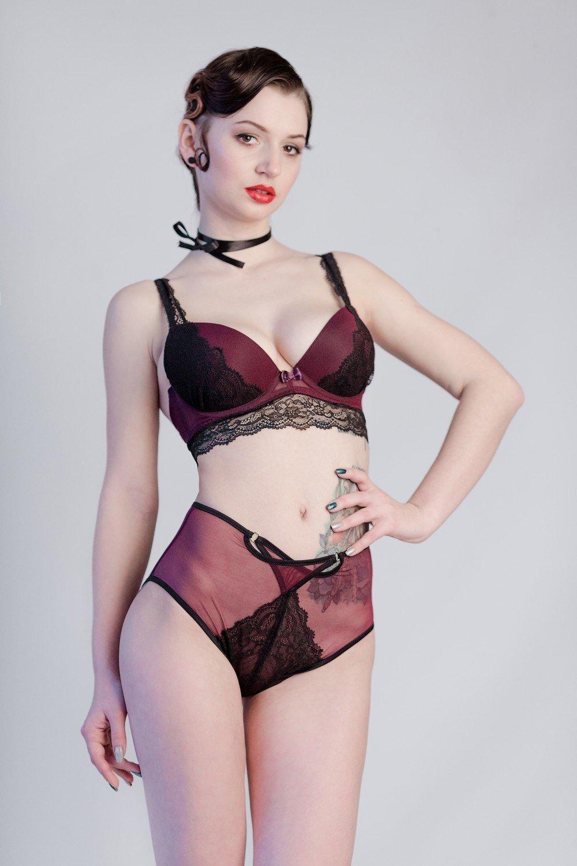 женское нижнее белье в ретро-стиле бордовый цвет