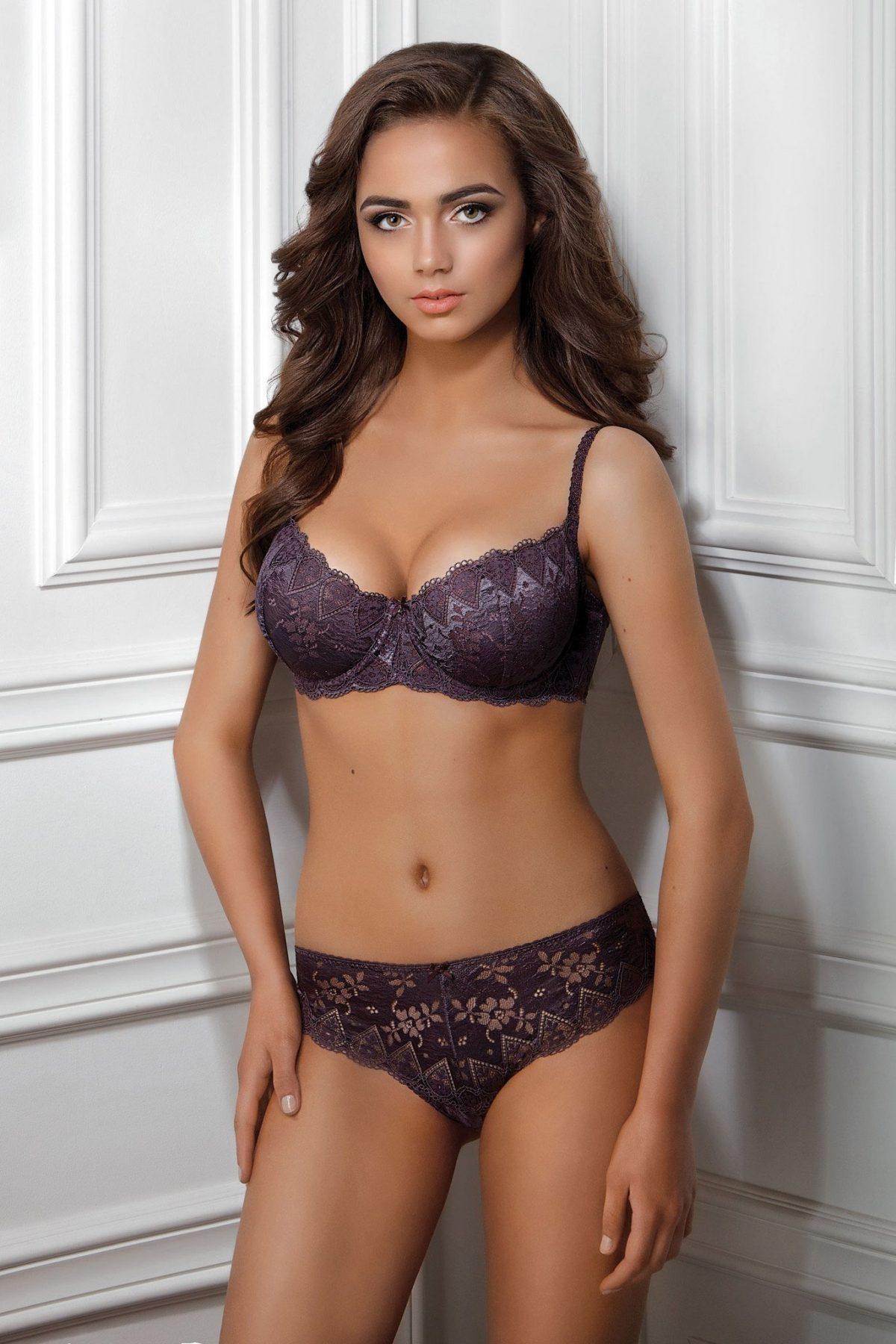 комплект кружевного женского сексуального нижнего белья фиолетового цвета