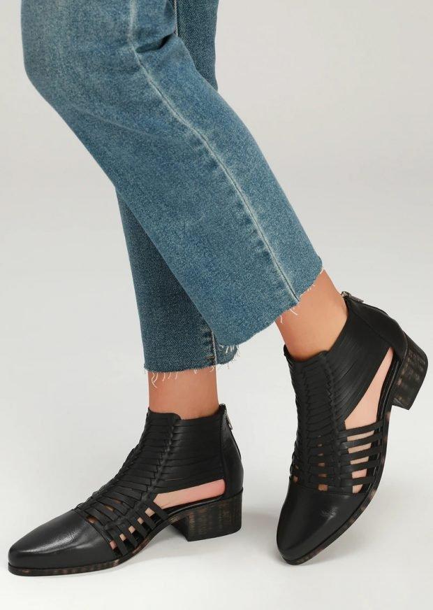 Модные туфли осень-зима 2021: черные открытые бока