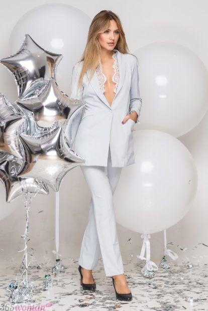 модные классические костюмы белый