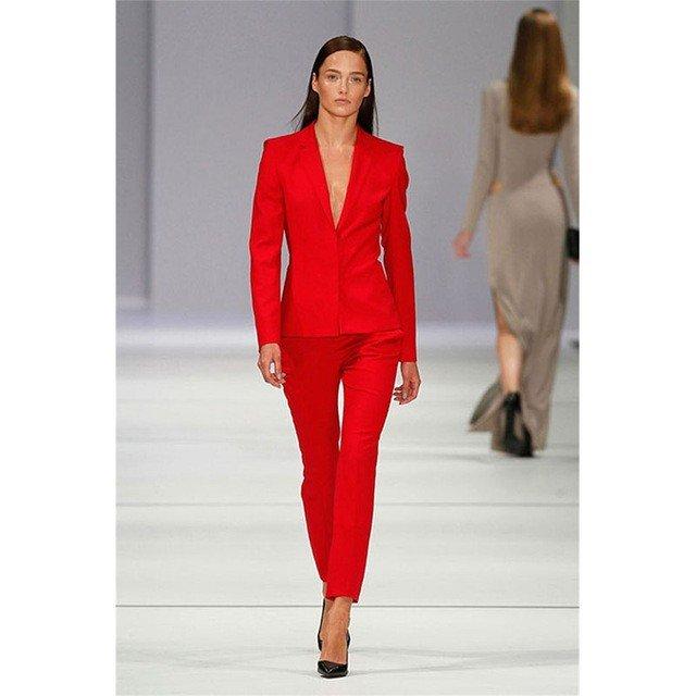 костюмы с укороченными брюками красный женский