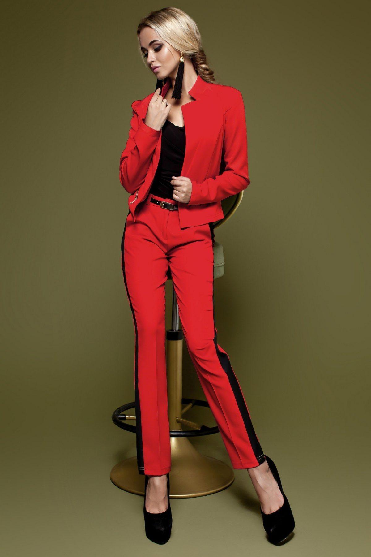 модные яркие костюмы красный женский 2018 год с лампасами