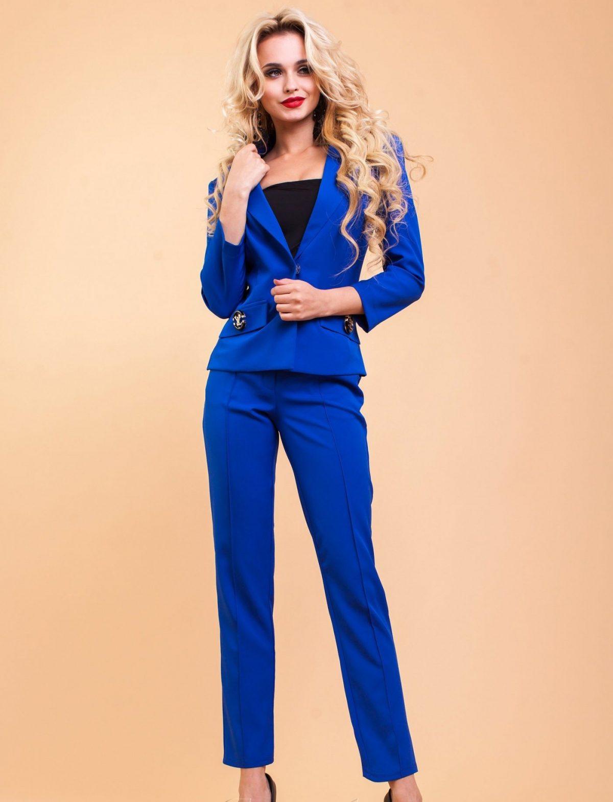 модные яркие костюмы синий женский 2018