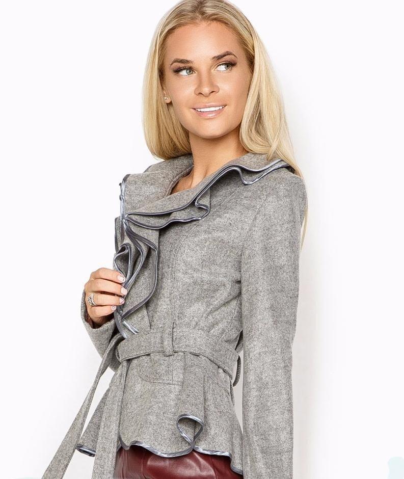 серый пиджак под пояс с воланами женский 2018