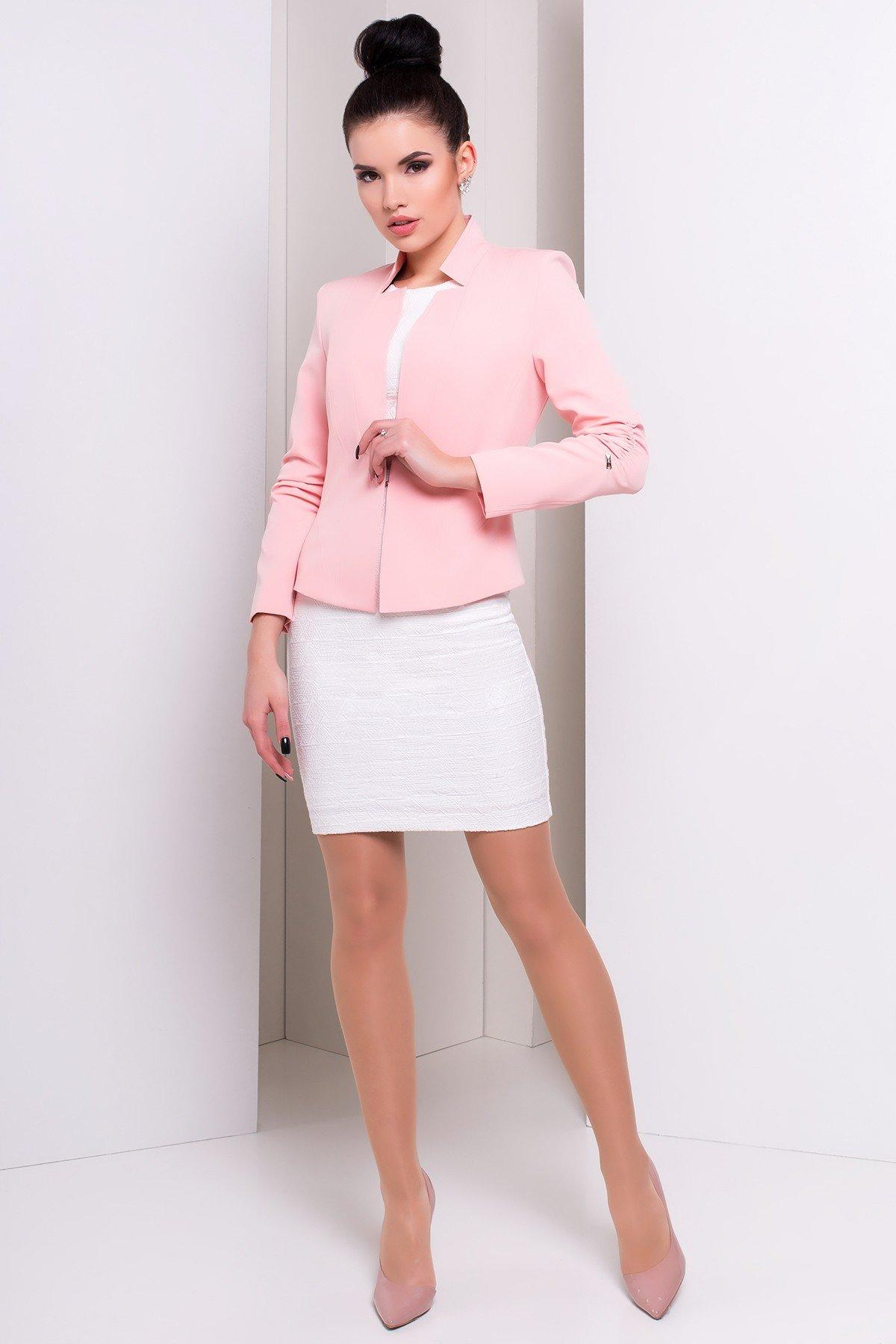 модный светло-розовый пиджак 2018 года