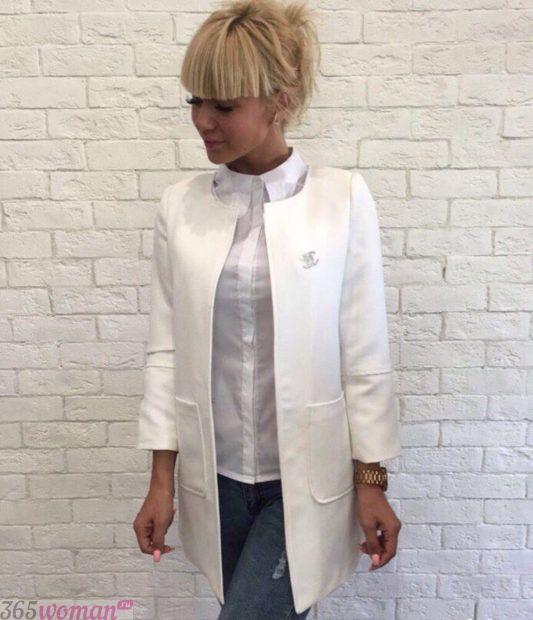 женский белый удлиненный пиджак 2018