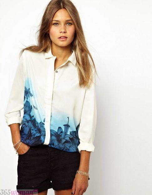 модные женские рубашки 2018 белая с принтом цветочным синим фото тенденции