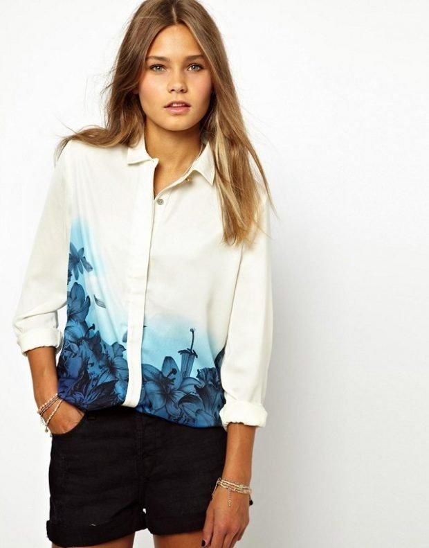модные женские рубашки 2018 2019 белая с принтом цветочным синим фото тенденции