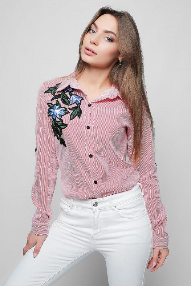 розовая с рисунком